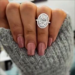 Oval Cut Halo Engagement Rings